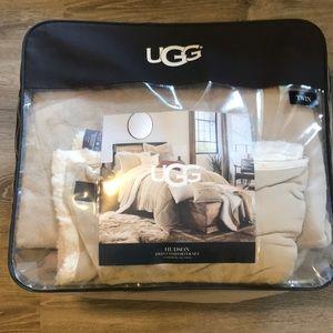 Ugg Comforter